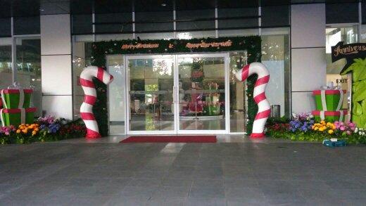 Dekorasi Natal Di Kantor Meningkatkan Semangat Kerja