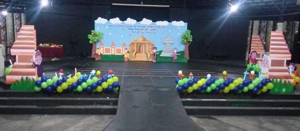 dekorasi panggung perpisahan tk